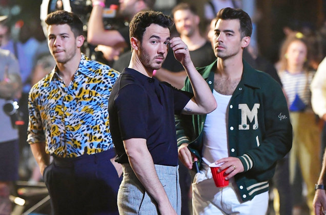 Video: Jonas Brothers - Only Human