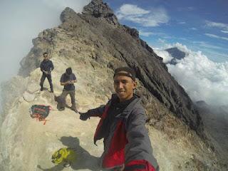 mt.merapi trekking guide