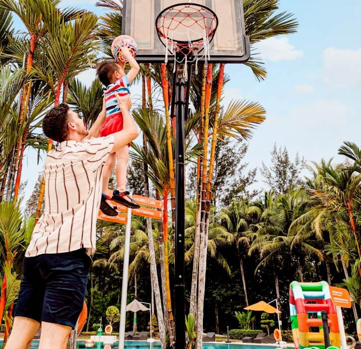 Menikmati Liburan Keluarga di Harris Resort Waterfront Batam, Mulai IDR  450 Ribu