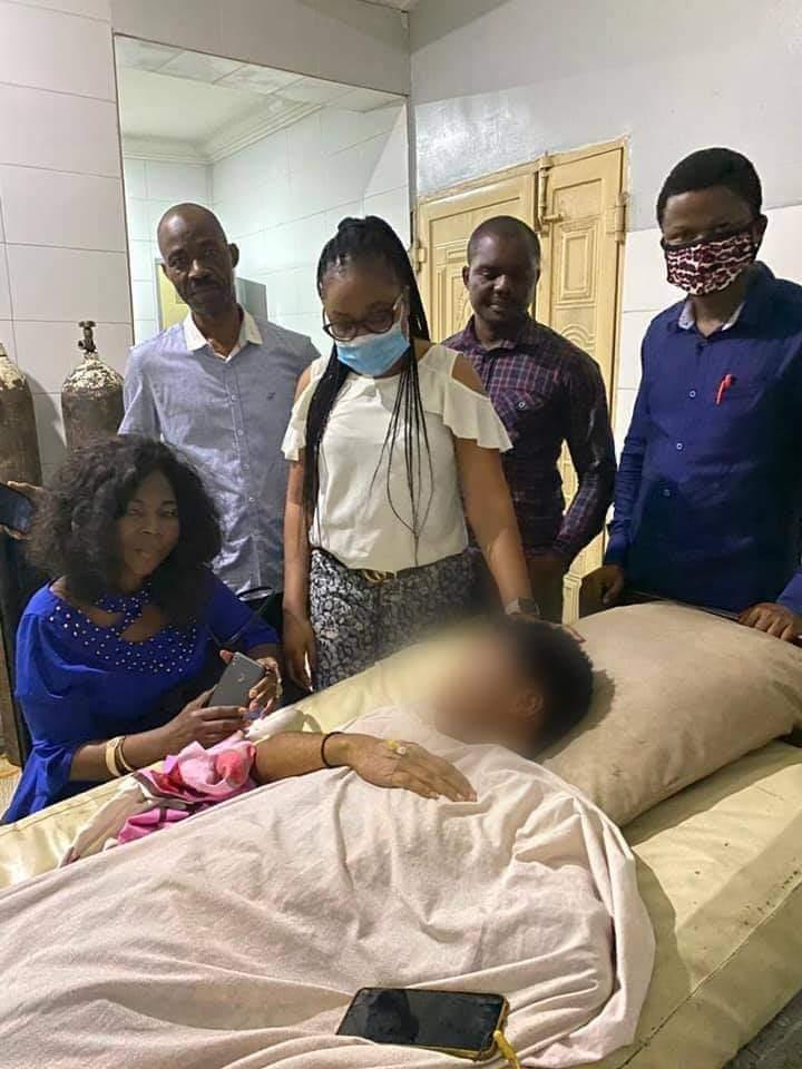 Mrs Ikpeazu Visits Abia Poly Student Raped By Policemen