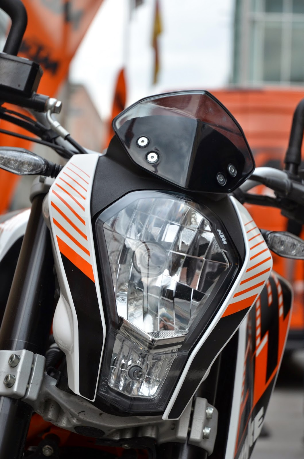 ktm duke 390 usa price, review and specs
