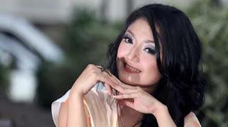 Lirik : Siti Badriah - Keenakan