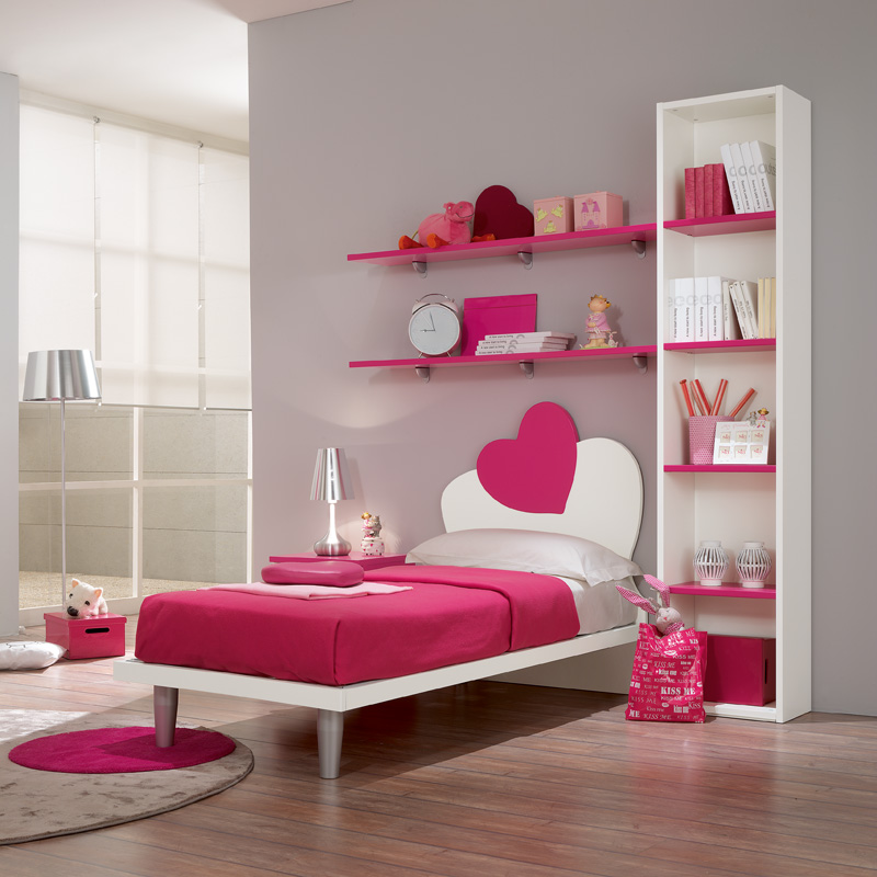 How to Decorate a Girl's Bedroom