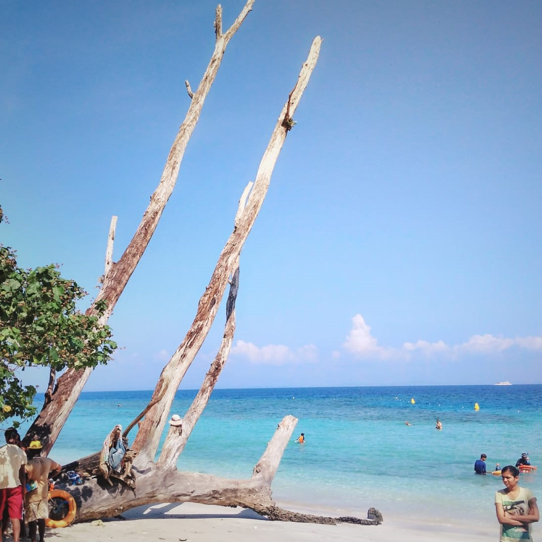 The literal layers of blue merging into the white! at andaman @doibedouin