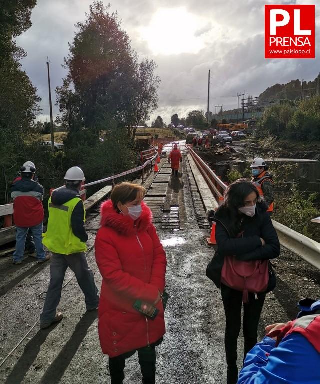 Tras caída de camión grúa reabrirán puente Pulelfu