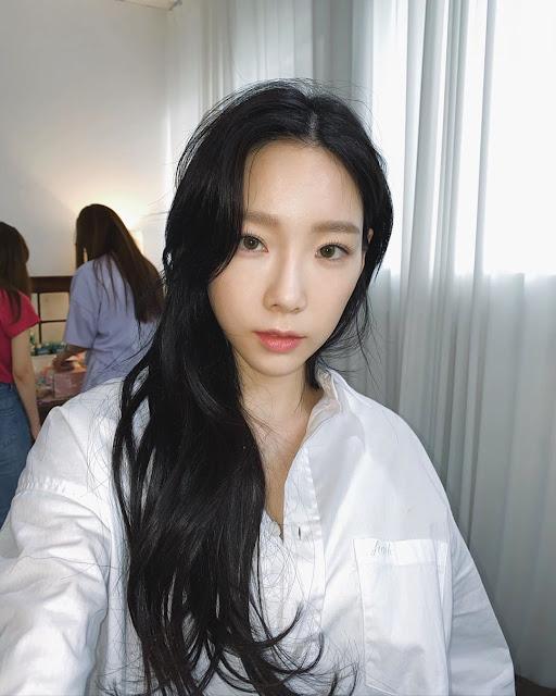 SNSD Taeyeon Black Hair