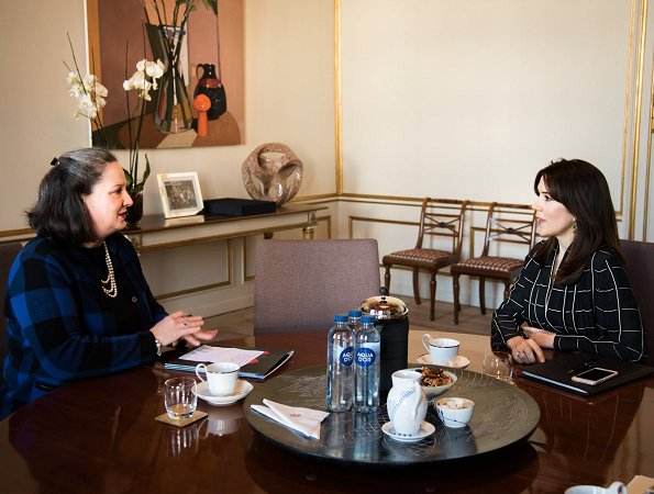Crown Princess Mary met with the members of Maternity Foundation and President of the International Center for Research on Women, Dr. Sarah Degnan Kambou