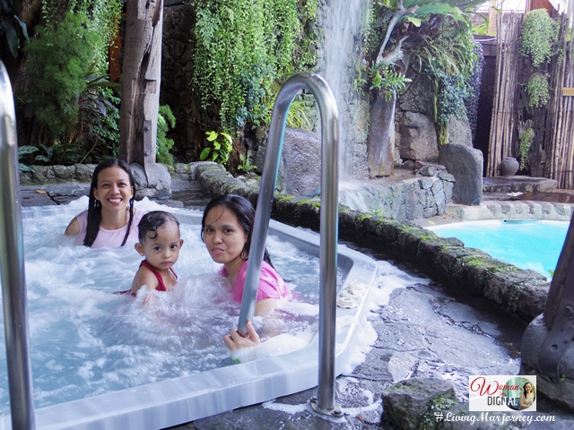 Hot Jacuzzi at Legend Villas