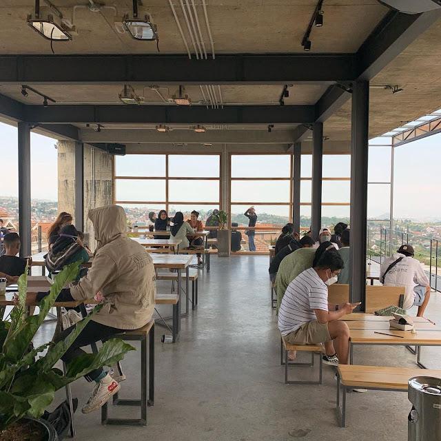 Concrete Cafe Bumiaji Batu