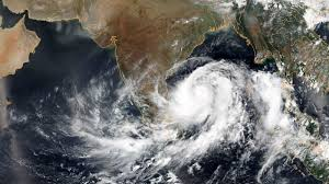 cyclone-amphan-reaches-west-bengal-coast