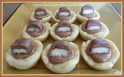 Peanut Butter Twix Cups | recipe developed by www.BakingInATornado.com | #recipe #dessert
