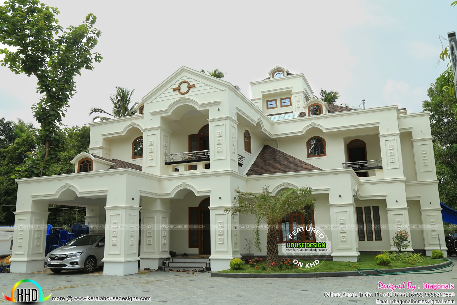 Luxury work finished colonial home architecture kerala for Colonial luxury house plans