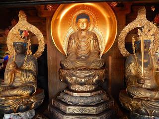 光明寺山門・釈迦三尊像