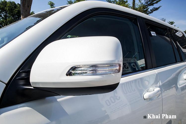 Cận cảnh Toyota Land Cruiser Prado 2020 hơn 2,3 tỷ ở Hà Nội