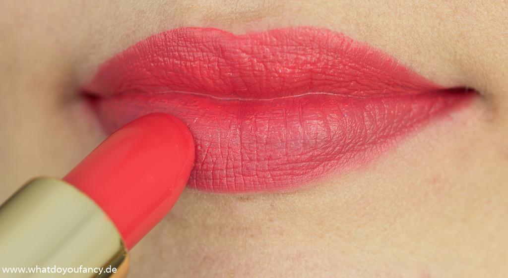 Estée Lauder Pure Color Envy Lipstick 320 Defiant Coral