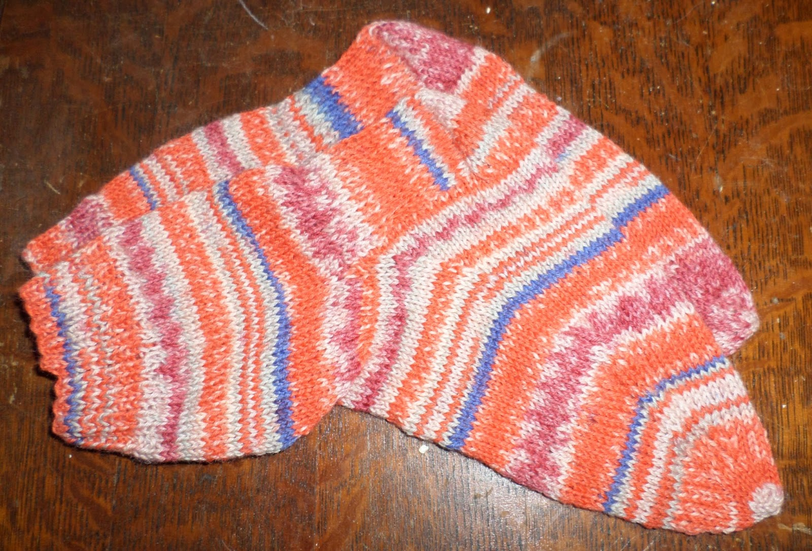 Knitting Socks On Circular Needles Pattern : FUN WITH FIBER: APRIL
