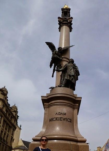 Pomnik Adama Mickiewicza na Placu Mariackim