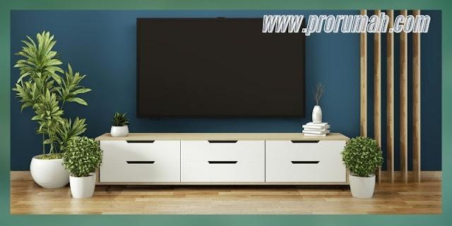 Ide Desain Ruang TV Terbaik 2021 - menggabungkan warna tosca dengan aksen kayu