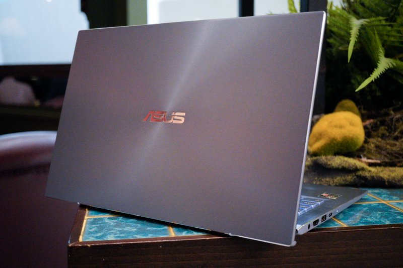 Review Asus ZenBook UM431DA: Ultrabook Ringkas dan Premium Powerful Tak Lagi Mahal