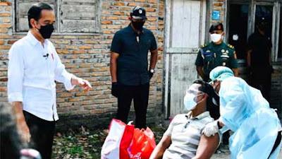 Pangdam I BB dan Kapoldasu Dampingi Presiden Jokowi Tinjau Vaksinasi