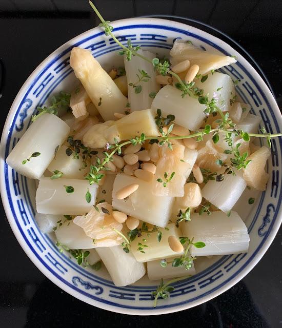 Spargel, Salat, Rezept glutenfrei & vegan, Minimalismus: Zubereitung einfach + schnell, Healthy Food Style, Blog, Rezeptinspirationen für jeden Tag, gesund und lecker, Rezeptideen, schnelle Rezepte, entdecken, leicht