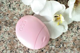 Review: EOS Handlotion - Berry Blossom - Noch handlicher gehts nimmer! - www.annitschkasblog.de