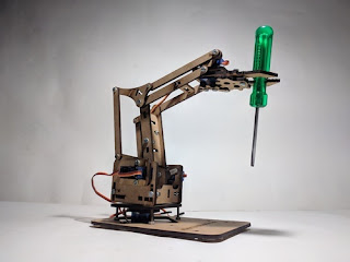 Types of Mechanical Engineering Robotic Arm