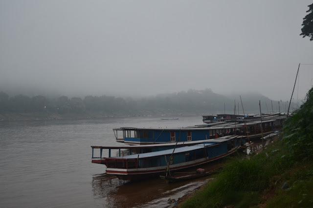Kapal di sungai Mekong, Luang Prabang