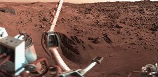 Efter ca 1 år stillastående. Nu grävs det på Mars igen.