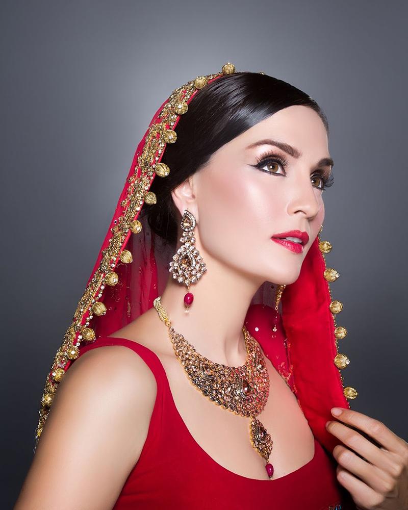 cewek manis dan seksi artis Pakistan Sonya Jehan