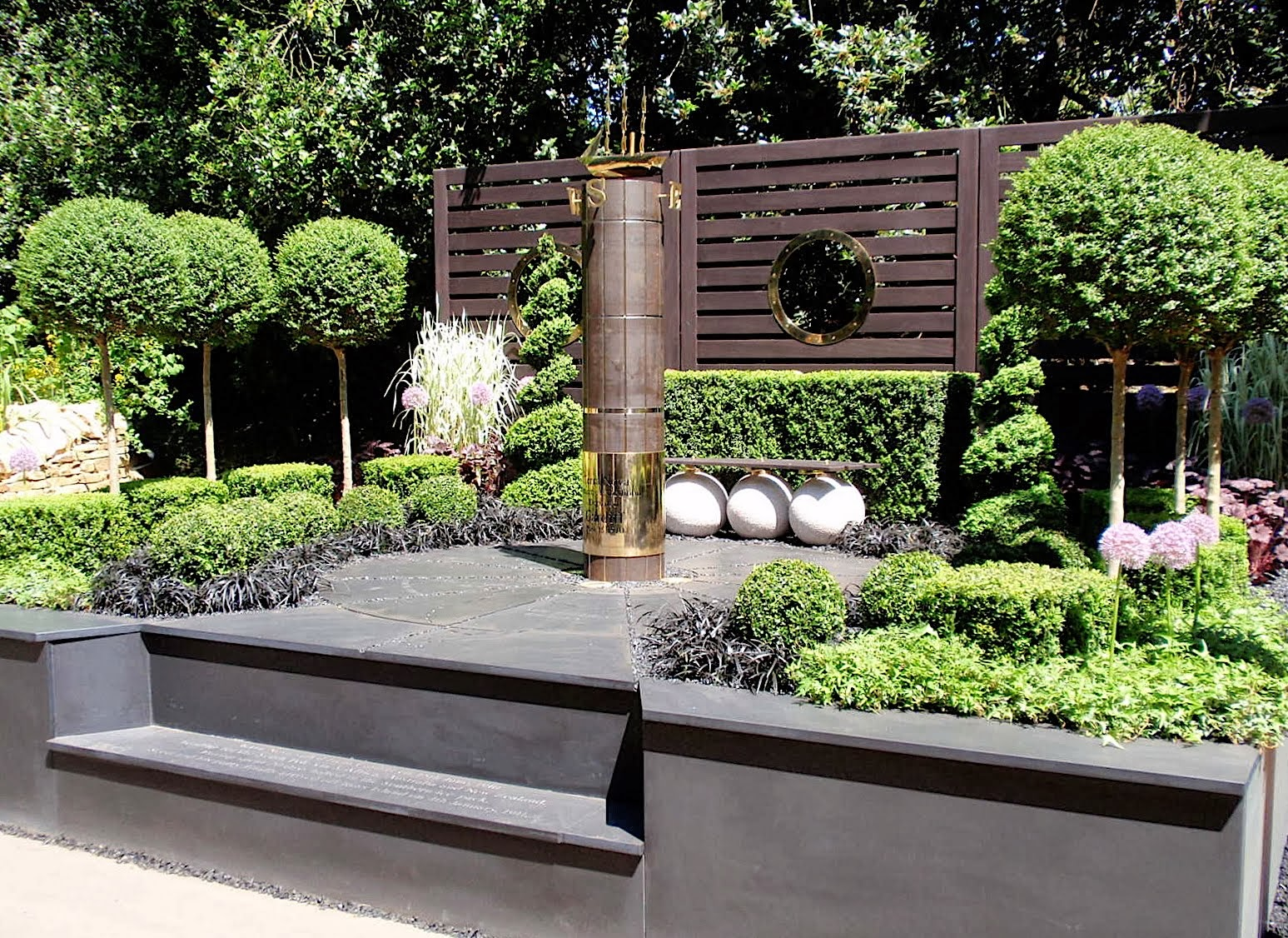 The secret to hard landscaping the garden of eaden for Design in garden