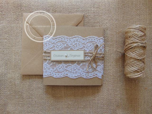 Invitaciones de boda bonitas y elegantes en papel kraft reciclado y puntilla