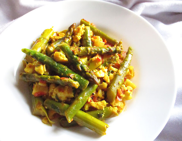 Asparagus with Spiced Tomato and Crumbled Paneer