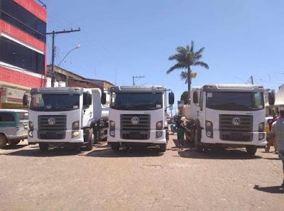 Piatã/BA:  Prefeitura adquire três caminhões caçamba O KM  para a Secretaria de Obras