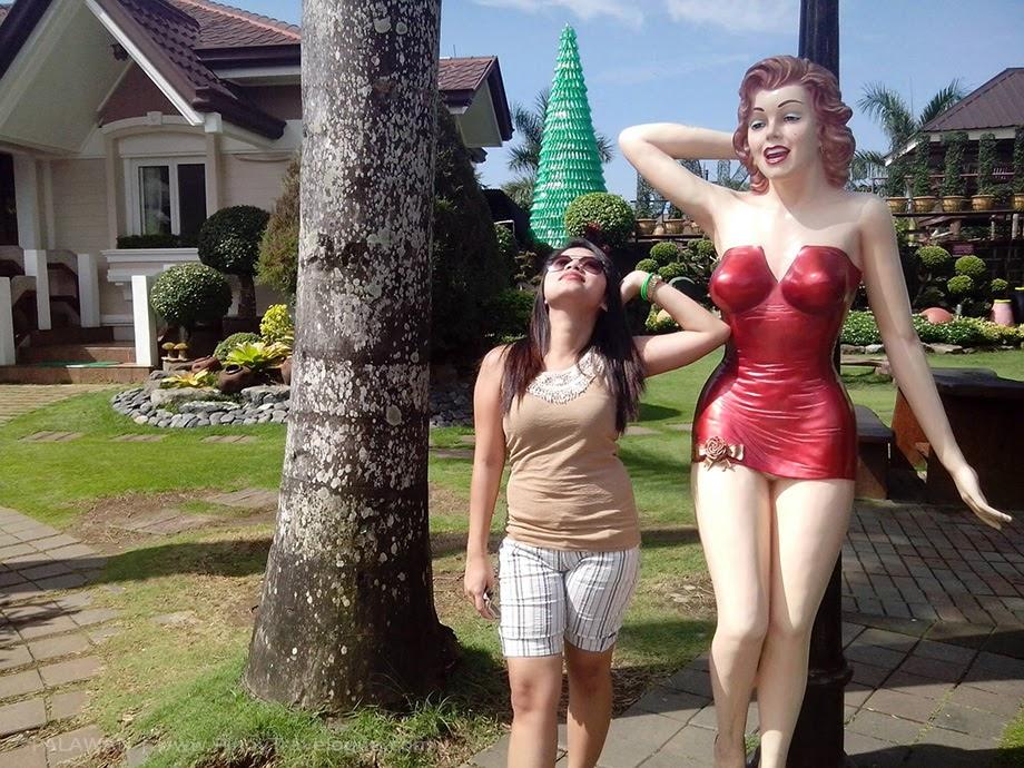 Baker's Hill statues