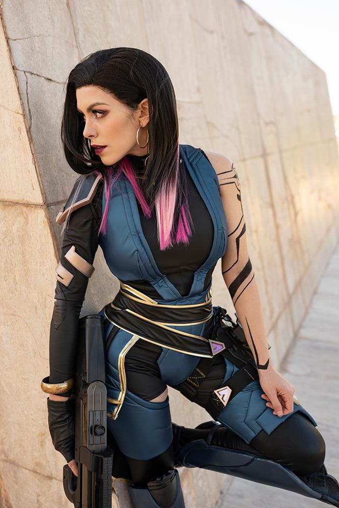Nadyasonika con su cosplay de Reyna