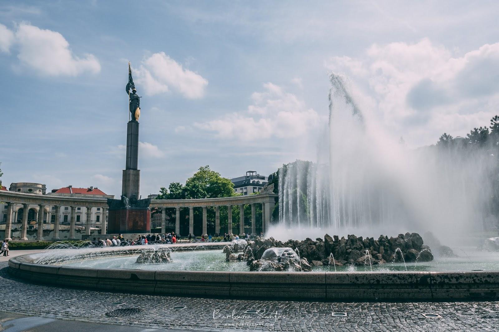 Hochstrahlbrunnen Fountain | Vienna - Travel