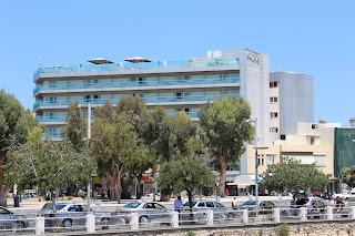 Clothes & Dreams: 48 hours in Crete, Heraklion. Capsis Astoria Hotel.