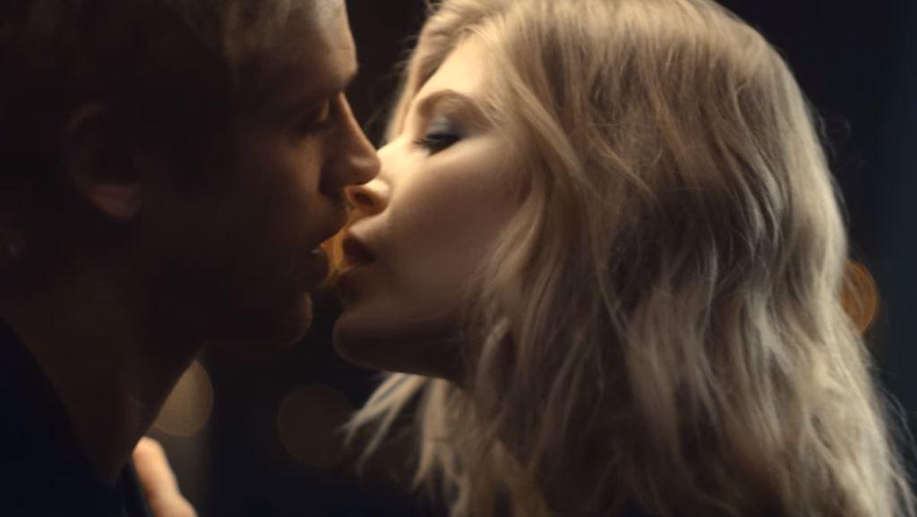 modello modella diesel bad profumo maschile pubblicita spot 2016