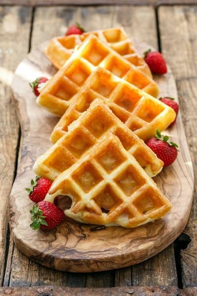 48. Waffle Belgia dengan Vanilla Bean Glaze