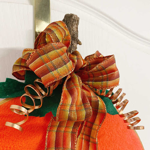 Easy Peasy Embroidery Hoop Pumpkin Wreath