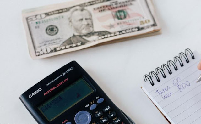 small businesses save money cut company costs budget expenses