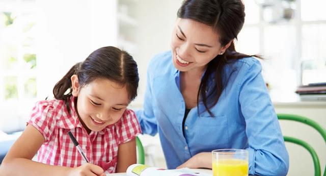 Mempertimbangkan Homeschooling untuk Anak Selama Pandemi