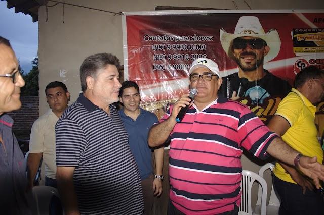 Evaldo Barbosa elogia Cícero do Cabana e alfineta desafeto político