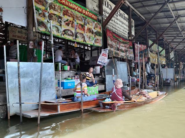 Pasar Terapung Damnoen Saduak