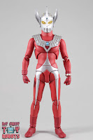 S.H. Figuarts Ultraman Taro 03