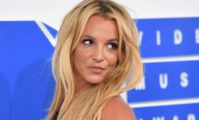 Show de Britney Spears adia eleição para líder de partido Trabalhista