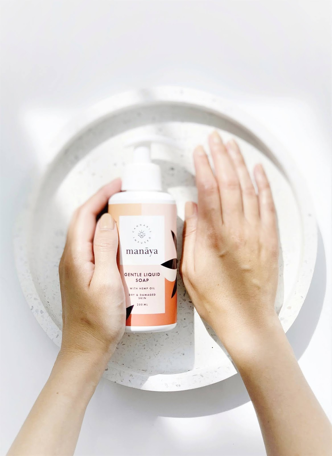 mydlo-z-olejem-konopnym-marki-Manaya