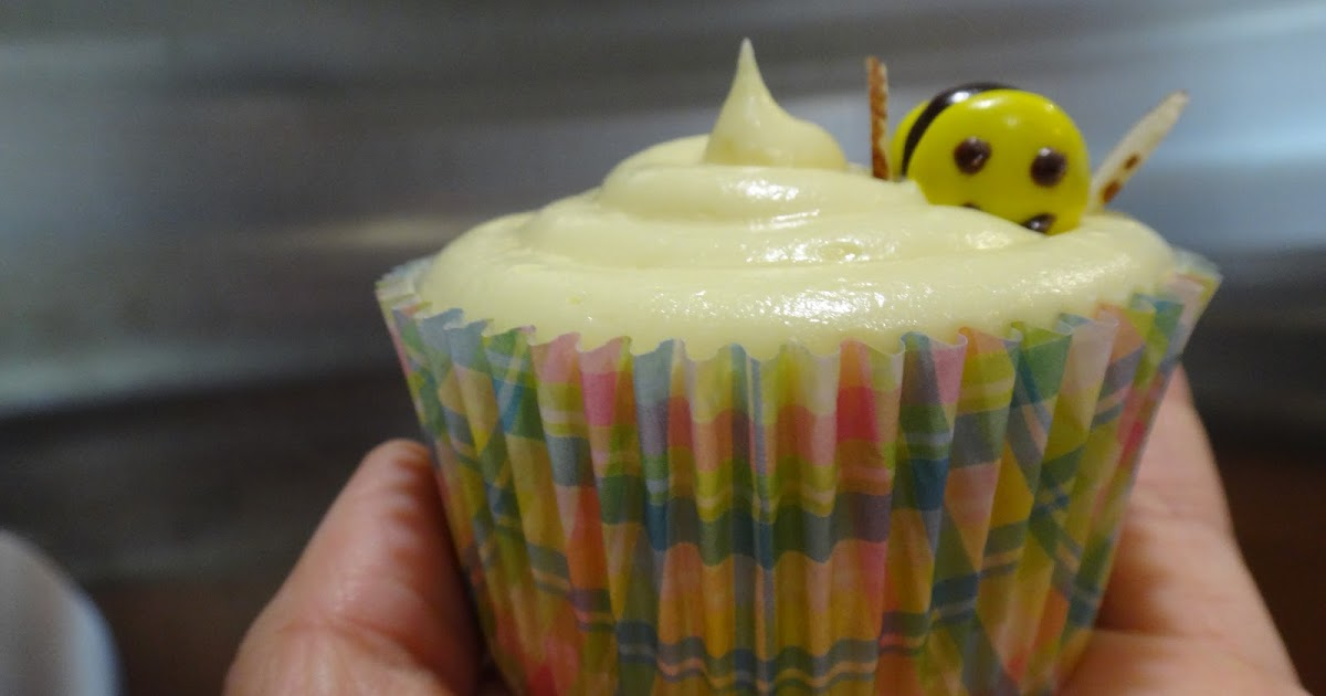 Falling In Love With Baking Bumble Bee Cupcakes