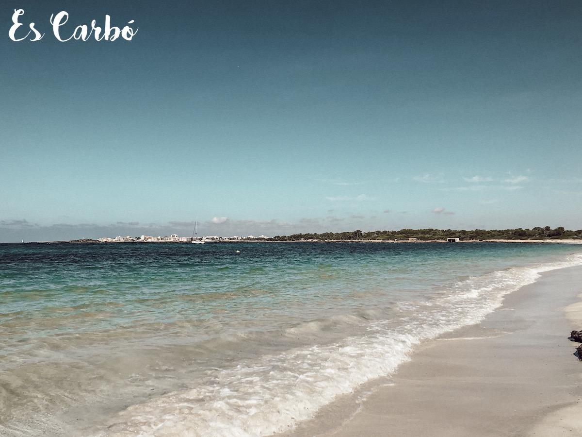 Platja Es Carbo Mallorca Best Beaches Die schönsten Strände und Buchten Mallorcas auf: https://www.theblondelion.com/2019/09/schoenste-straende-buchten-mallorca.html Tipps Reiseblog Travel Diary Reiseführer Reisetipps